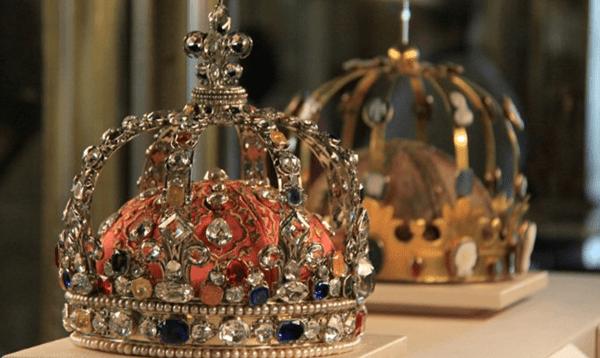 Бриллиантовая корона в Лайке